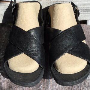 Fitflop woman's size 6 sandal